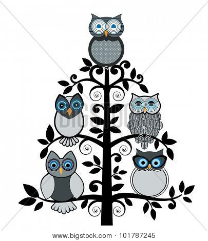 Family of owls in a tree - all different