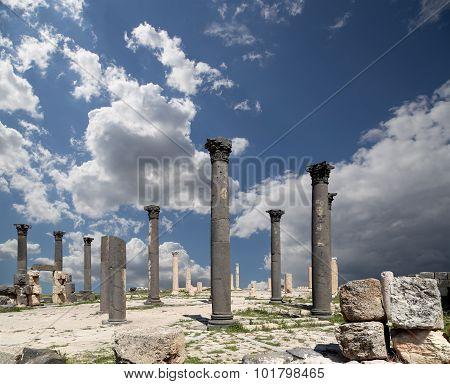 Roman Corinthian Columns In Umm Qais (umm Qays) --is A Town In Northern Jordan