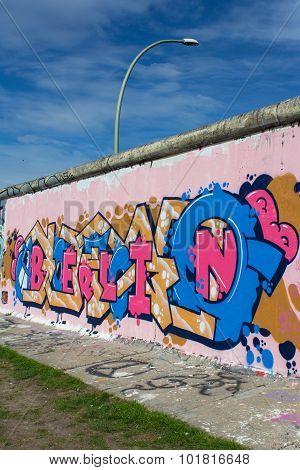 BERLIN graffiti on berlin wall / east side gallery