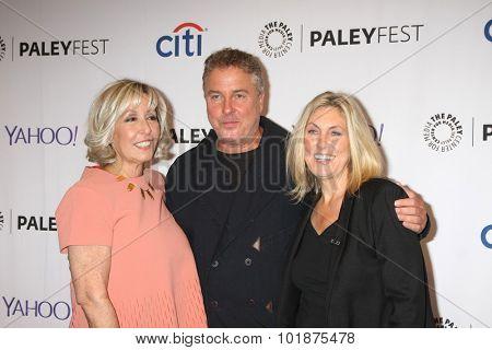 LOS ANGELES - SEP 16:  Carol Mendelsohn, William Petersen, Ann Donahue at the Fall TV Preview -
