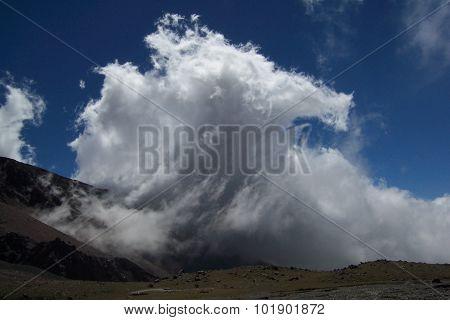 Clouds wave