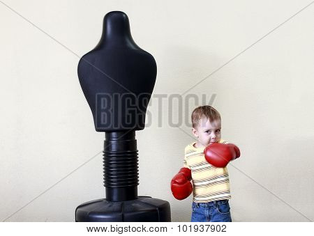 child work out boxing punch