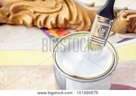 Dip Brush White Paint