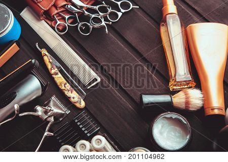 Beautiful Professional Tools Professional Barber Kits, Scissors, A Sharp Razor, Mechanical And Elect