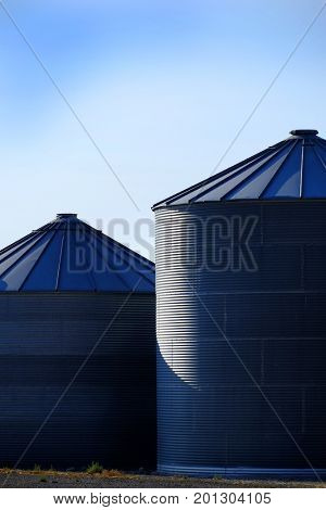 Grain Silos on Farm for Farming and Storage of Wheat processing food