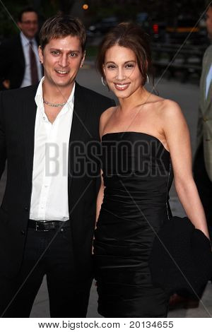 NEW YORK - APRIL 20: Musician Rob Thomas and his wife Marisol arrive at New York State Supreme Court for the Vanity Fair Party during the 2010 Tribeca Film Festival on April 20, 2010 in New York City.