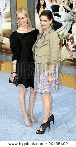 "NEW YORK - MAY 24: Actresses Sarah Paulson (L)and Amanda Peet (R) attend the ""Sex and the City 2"" movie premiere at Radio City Music Hall on May 24, 2010 in New York City."