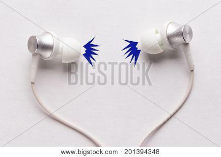 Listen To Loud Music In Vacuum Headphones