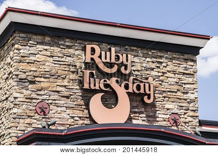 Indianapolis - Circa August 2017: Legacy Ruby Tuesday Casual Restaurant Sign. Ruby Tuesday is famous for its Salad Bar III