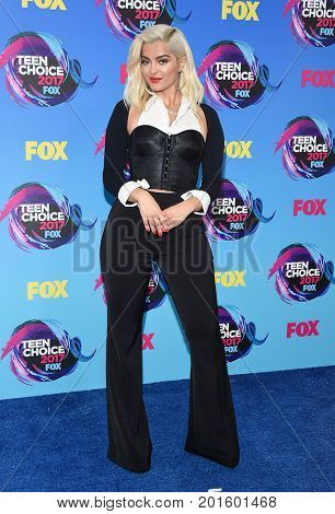 LOS ANGELES - AUG 13:  Bebe Rexha arrives for the Teen Choice Awards 2017 on August 13, 2017 in Los Angeles, CA