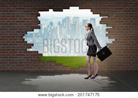 Businesswoman escaping for summer vacation