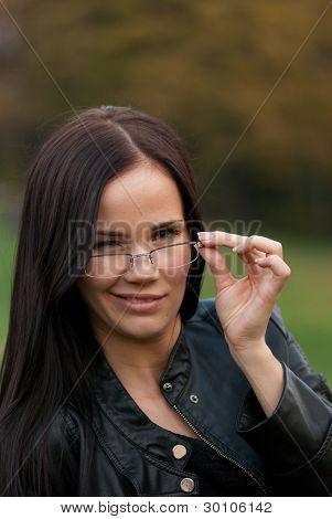 La chica de gafas