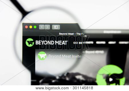 Richmond, Virginia, Usa - 9 May 2019: Illustrative Editorial Of Beyond Meat Inc Website Homepage. Be