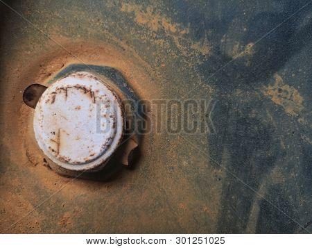 Engine Oil Tank Small Cap.top View Of Black Oil Tank Cap.top View.