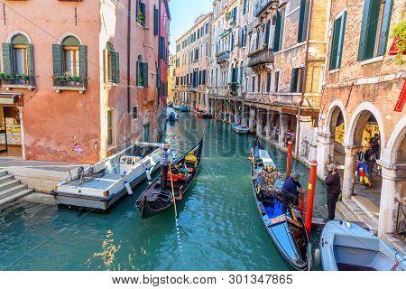 Venice, Italy - October 23, 2018: View Of Canal Rio Dei S.s. Apostoli In Venice