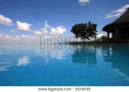 Schwimmbad am Lake Manyara, Tansania
