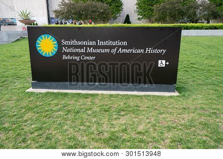 Washington Dc - May 9, 2019: Sign For The Smithsonian Institution National Museum Of American Histor