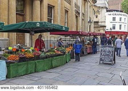 Bristol, Uk - June 26, 2019: Market Stalls In Corn Street In The City Centre