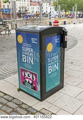 Bristol, Uk - June 26, 2019: A Litter Bin With A Solar-powered Rubbish Compactor