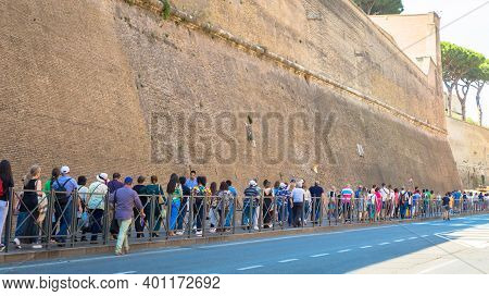 Rome, Vatican State - August 24, 2018: People Il Line For The Entrance To Vatican Museum In Rome. Co