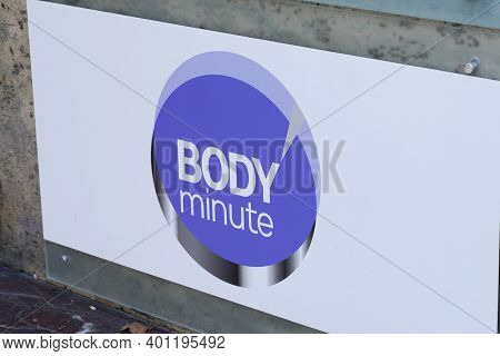 Bordeaux , Aquitaine  France - 12 25 2020 : Body Minute Round Logo Sign And Brand Text Store Body'mi