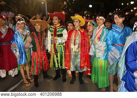Hoi An, Vietnam, December 28, 2020: The Actors Of The Show Represented During The Integration - Ligh