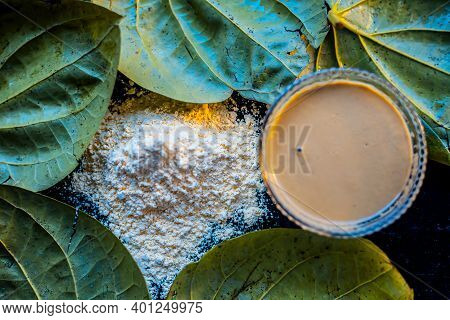 Face Mask For Nourishing Your Skin Consisting Of Betel Leaves, Besan Or Chickpea Powder, Multani Mit