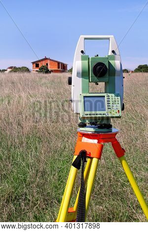 Total Station. Survey Instrument Geodetic Device. Fall Time Land Surveying, Set In Field. Modern Sur