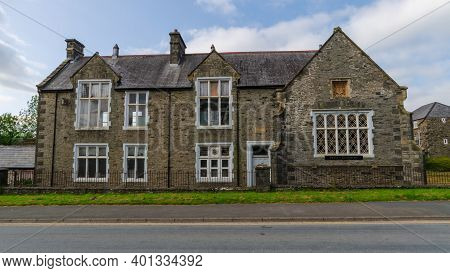 Bala; Uk: Sep 20, 2020: A General Scene In Bala Showing The Former Old School Restaurant Which Was O