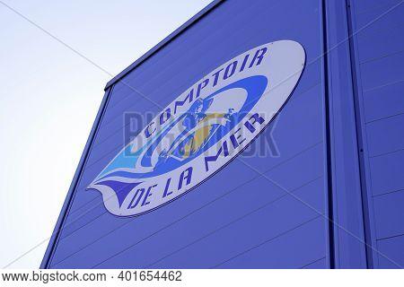Bordeaux , Aquitaine  France - 12 28 2020 : Comptoir De La Mer Logo And Sign Generalist Brand Store
