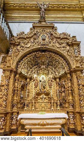 Faro, Portugal - 31 December 2020: View Of The Interior Of The Igreja Do Carmo Church In Faro