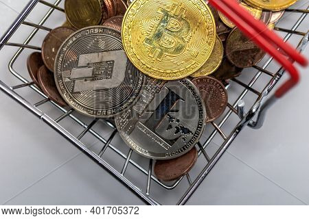Gold Bitcoin Is A Cryptocurrency And Worldwide Payment, Bitcoin, Ethereum, Litecoin In Iron Shopping