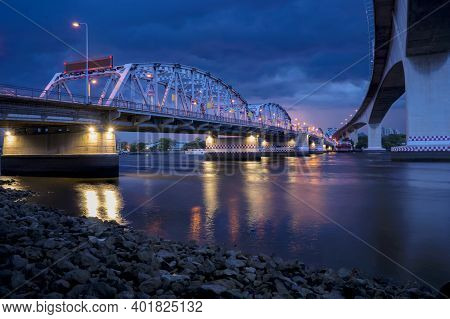 Krungthep - Rama Iii Bridge A Bridge Across The Chao Phraya River Between Ratchadapisek Road And Som