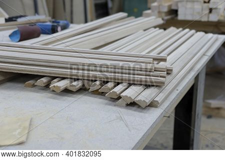 Production Of Skirting Boards And Slats For Woodworking Equipment In The Production Of Natural Wood
