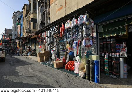Istanbul, Turkey - October 06, 2020. Street Market And Dilapidated Houses In The Commercial Quarter