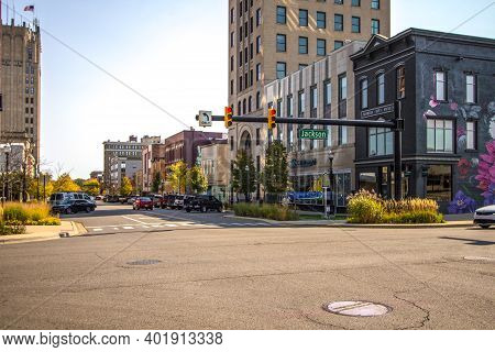 Jackson, Michigan, Usa - October 9, 2020: Downtown District And City Streets Of The American Midwest