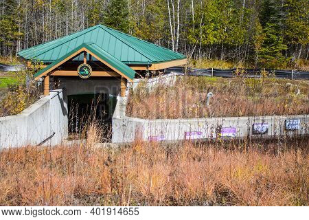 Petoskey, Michigan, Usa - October 29, 2014: Exterior Of The Michigan Fisheries Visitors Center. The
