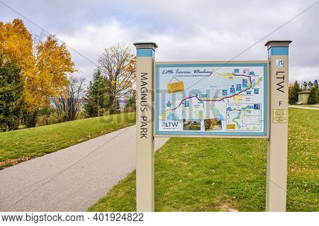 Petoskey, Michigan, Usa - October 29, 2014: Trailhead And Map For The Little Traverse Wheelway In Pe