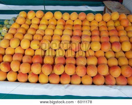 Peaches on a Market