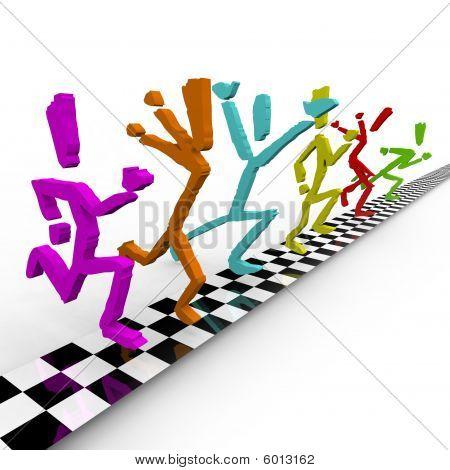 Fotofinish - Läufer Kreuz Ziellinie zusammen