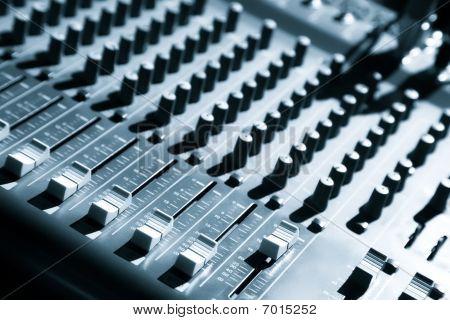 Audio Mixing Panel