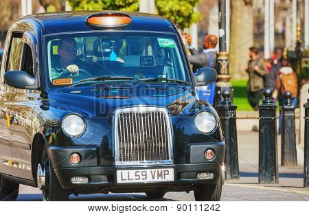 Famous Black Cab An A Street In London