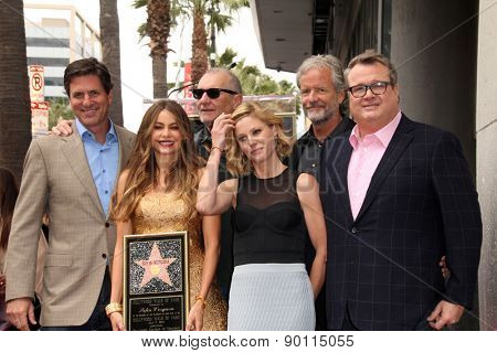 LOS ANGELES - MAY 7:  Steven Levitan, Julie Bowen, Ed O'Neill, Sofia Vergara, Eric Stonestreet at the Sofia Vergara Walk of Fame Ceremony at the Hollywood Blvd on May 7, 2015 in Los Angeles, CA