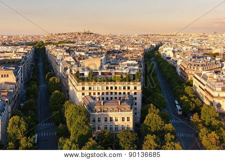 Central Paris, In Late Afternoon, Avenues Hoch And De Friedland