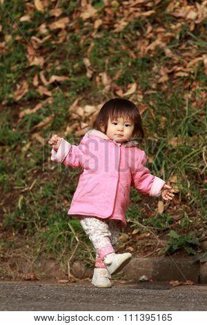 Japanese toddling girl (1 year old)