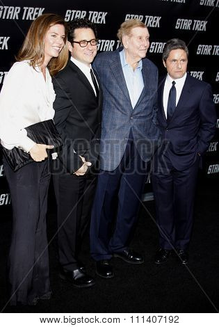 30/4/2009 - Hollywood - JJ Abrams, Sumner Redstone and Brad Grey at the Los Angeles Premiere of