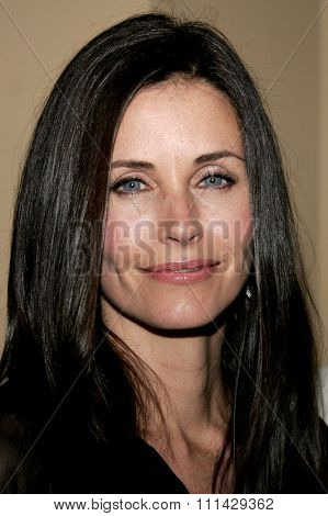 10/13/2006 - Hollywood - Courteney Cox Arquette attends the Los Angeles Premiere of