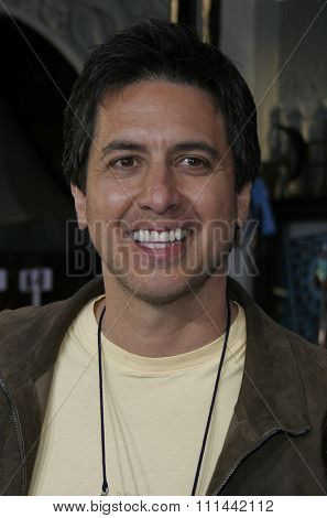Ray Romano at the Hollywood World Premiere of 20th Century Fox's