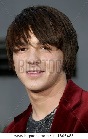 11/20/2005 - Hollywood - Drake Bell at the