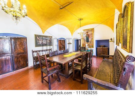 Historic Colonial Dining Room